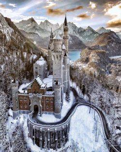 Fairytale castle Schloss Neuschwanstein, Bavaria, Germany <3