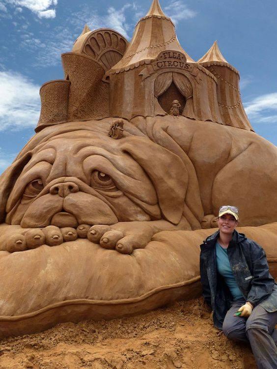 Who else thinks it's an amazing art? :)Wonderful sand art.   Who else thinks it's an ...